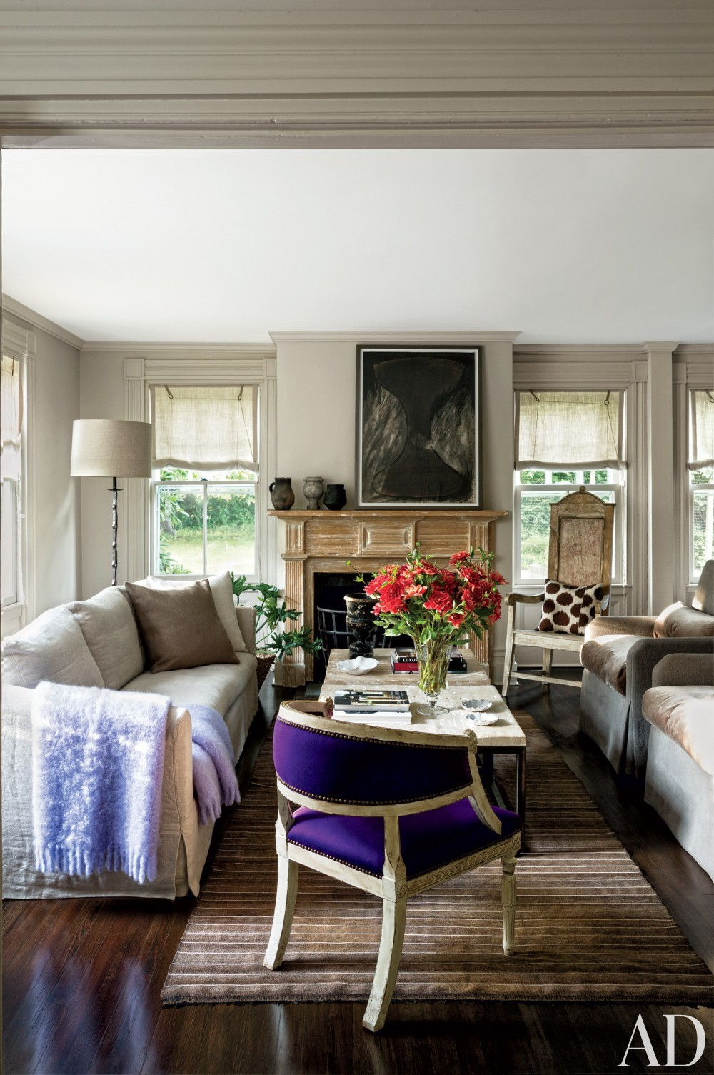 contemporary-living-room-rebecca-bond-bridgehampton-new-york-201407.jpg_1000-watermarked