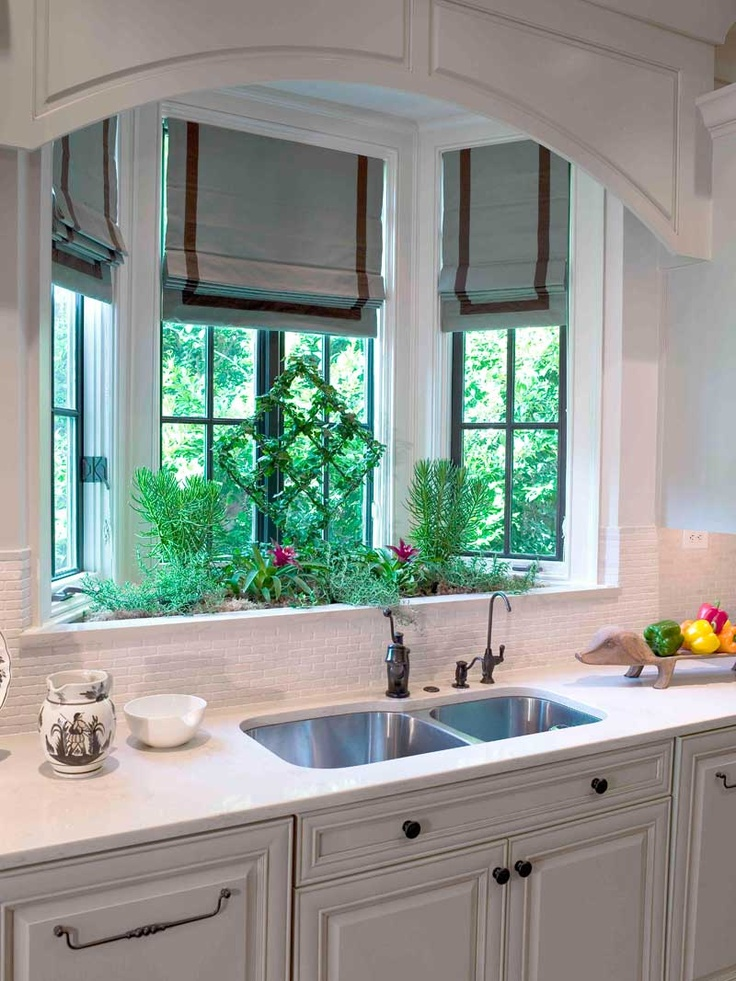 4 Gorgeous Kitchen Sink Ideas