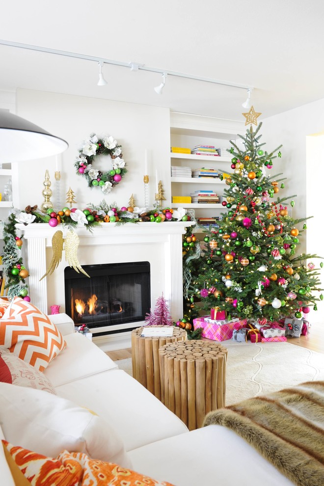 living room christmas holiday decor ideas pink green color scheme