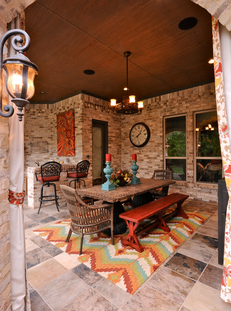 Quick redecorating ideas to enjoy your patio in the fall for Fall patio decorating ideas