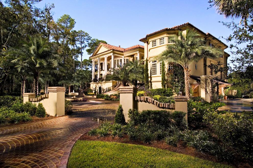 mediterranean mansions exotic palm trees driveway columns villa ideas