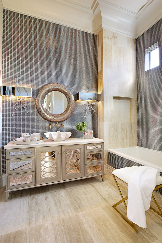 Attirant Silver Mirrored Bathroom Vanity Decor Ideas