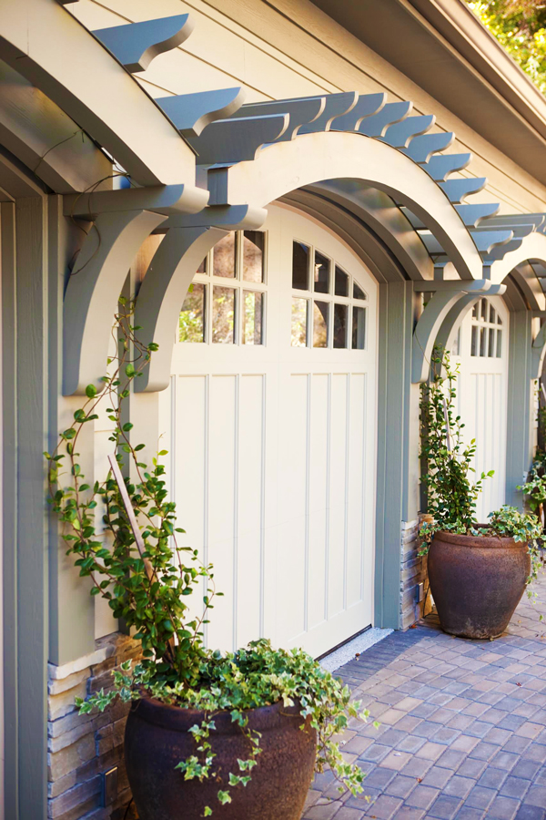 7 easy garage door makeover ideas to boost your home 39 s