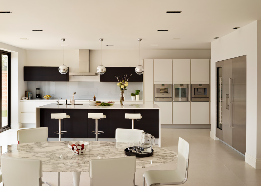 monochrome simple kitchen decor