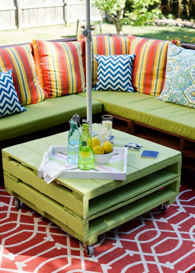 diy pallete patio set