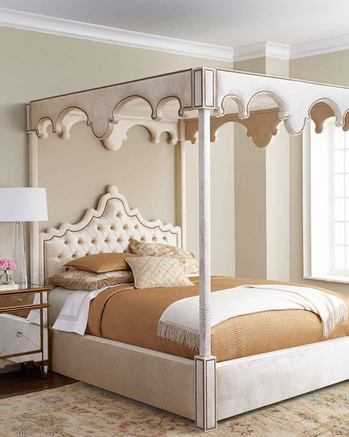 Fascinating four poster beds we pick out 3 of our online - Pictures of canopy beds ...
