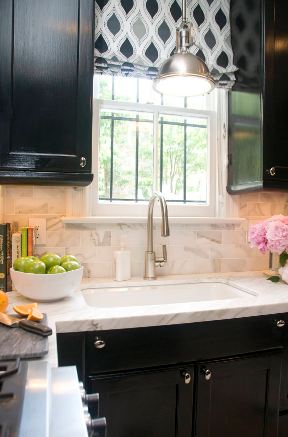 black kitchen cabinets marble subway tiles decorating ideas