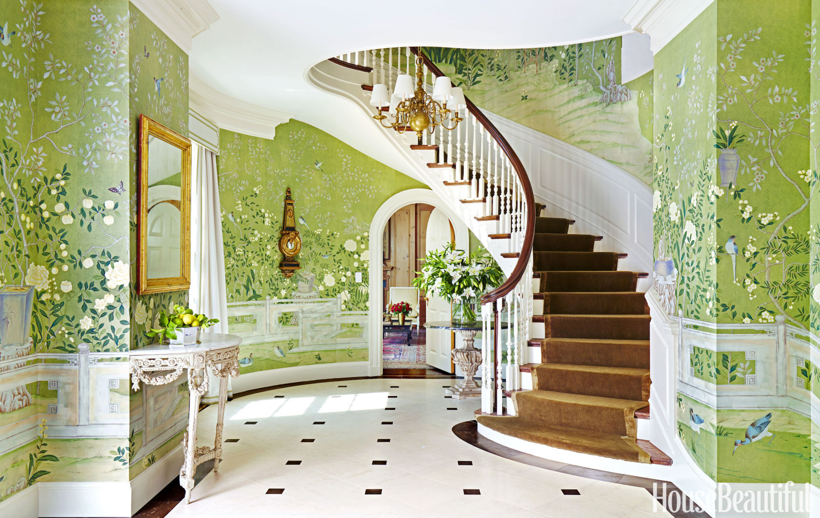 How to get the look glamorously decorated home entrances for Wall design in hall
