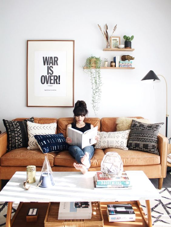 Tanned Leather Sofas Are The Hottest Decorating Trend Of 2016 Here S How To Decorate With Them Betterdecoratingbiblebetterdecoratingbible