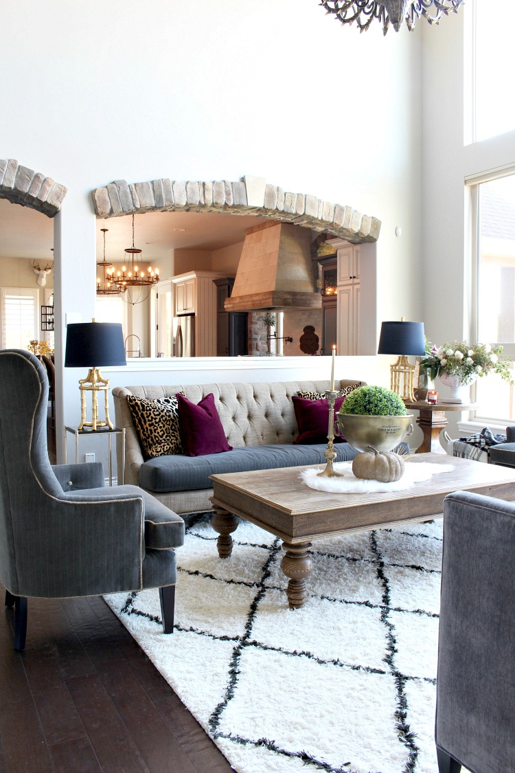 2-glam-living-room-decorating-moroccan-carpet-fall-style