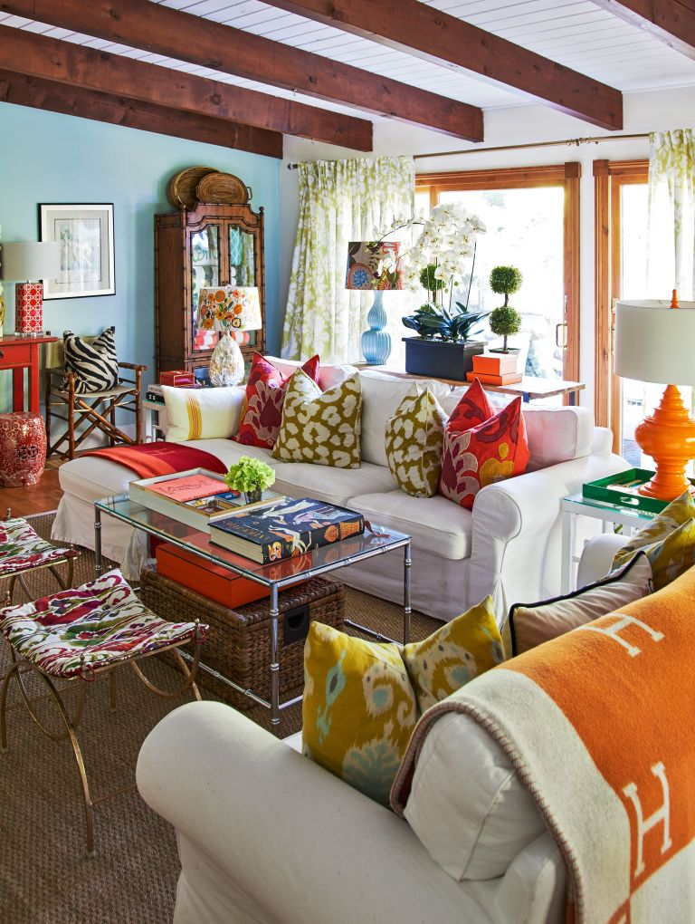 Home tour christian siriano 39 s connecticut home for Eclectic style furniture