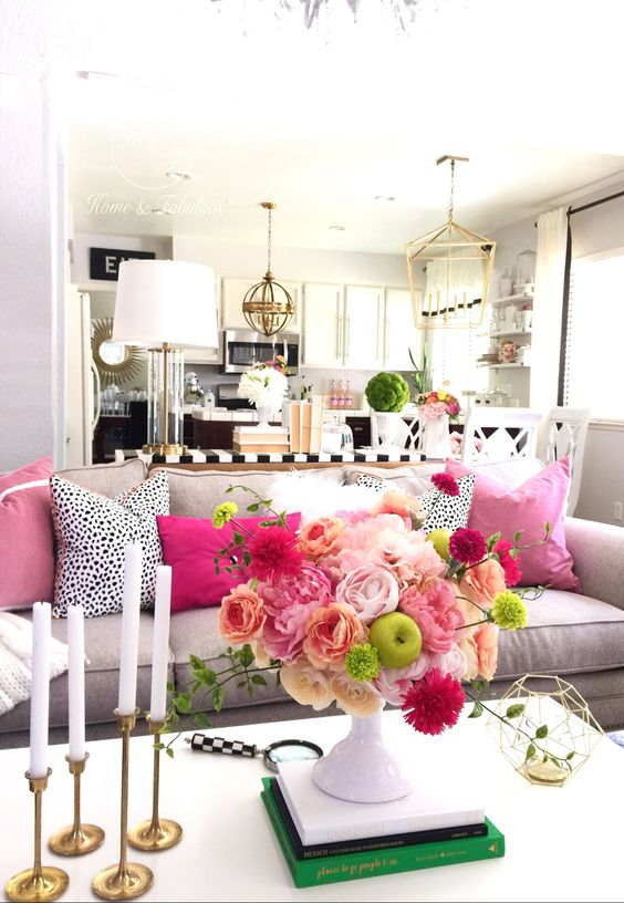 pink-pillows-living-room-decor-fuchsia-gold-glamorous-decor-better-decorating-bible-blog