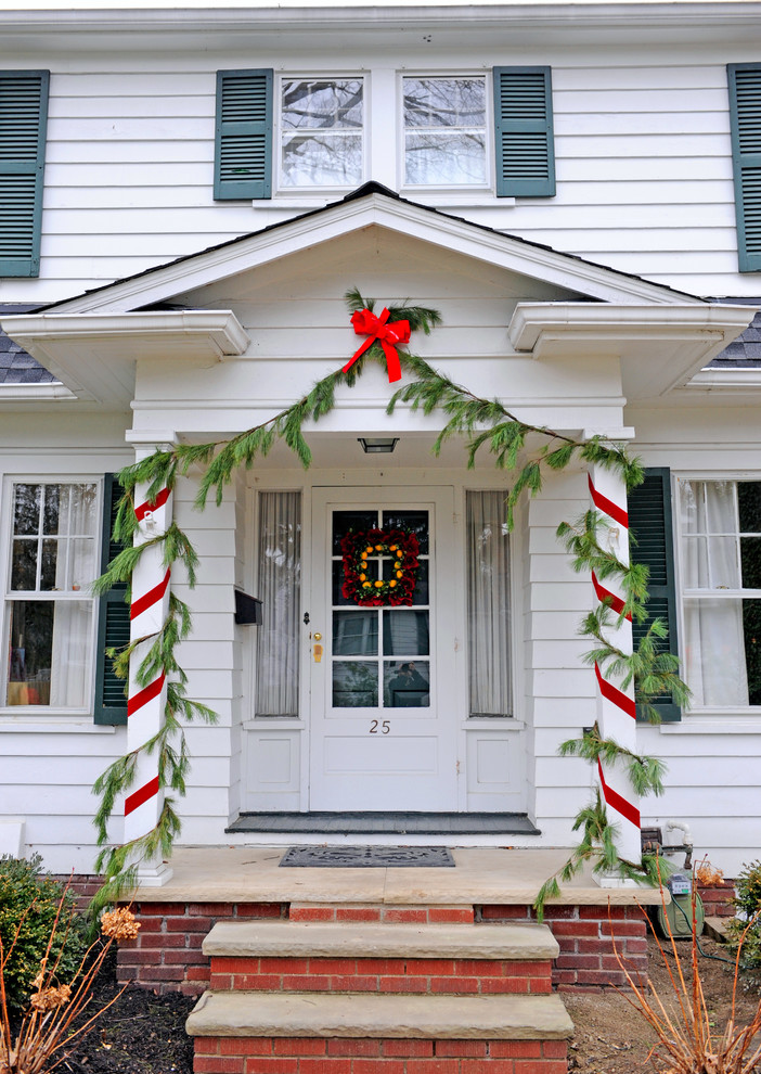 2 christmas front porch decorating columns cheap budget - Christmas Column Decorations