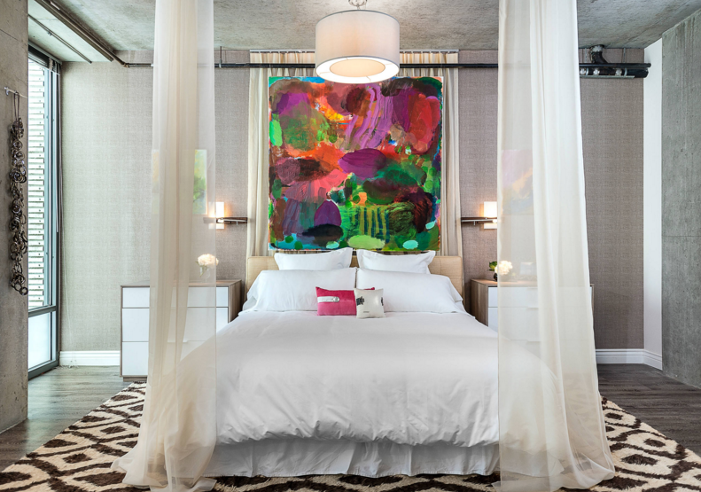 bedroom-headboard-artwork-ideas-glam