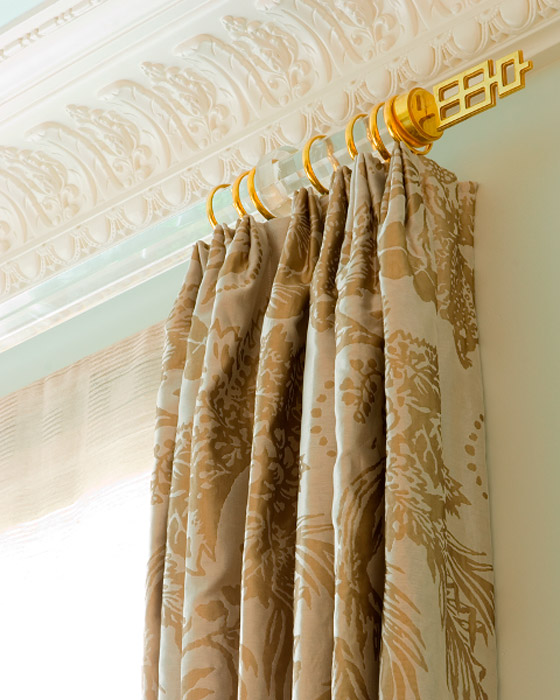 clear-lucite-curtain-rod-decorating-glamorous