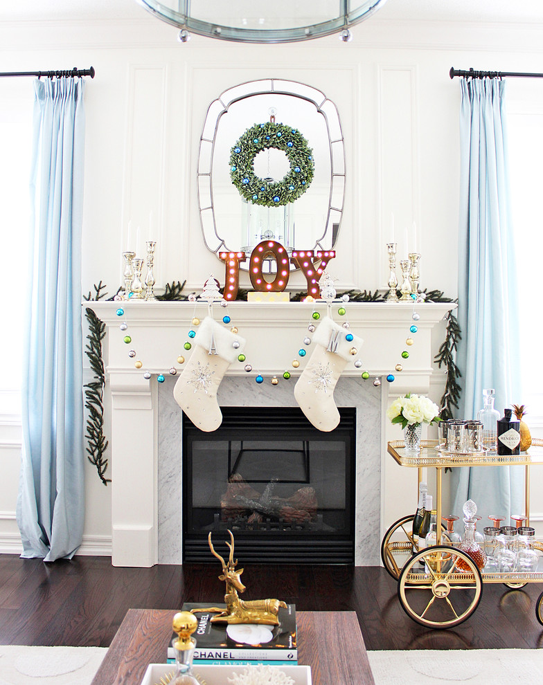 glamorous-traditional-christmas-decor-living-room