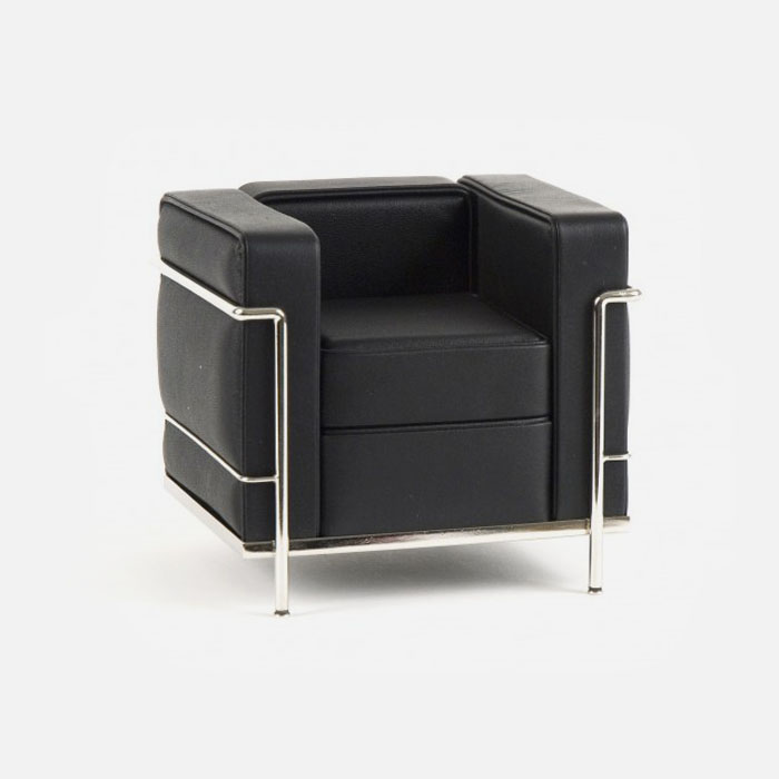 grand-comfort-chair-modern-steel-frame-decorating-black-leather