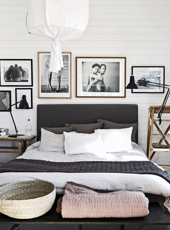 White And Grey Scandinavian Bedroom Decorating Ideas