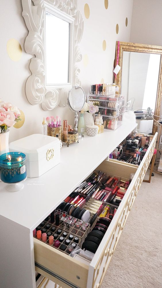 Fabulous Makeup Glam Rooms and How to Decorate Your Own ... on Makeup Room Design  id=84623