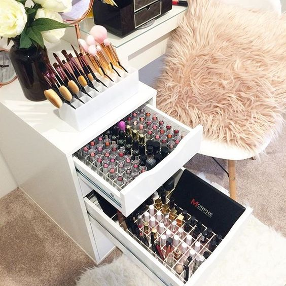 Fabulous Makeup Glam Rooms and How to Decorate Your Own ... on Makeup Room Design  id=67798