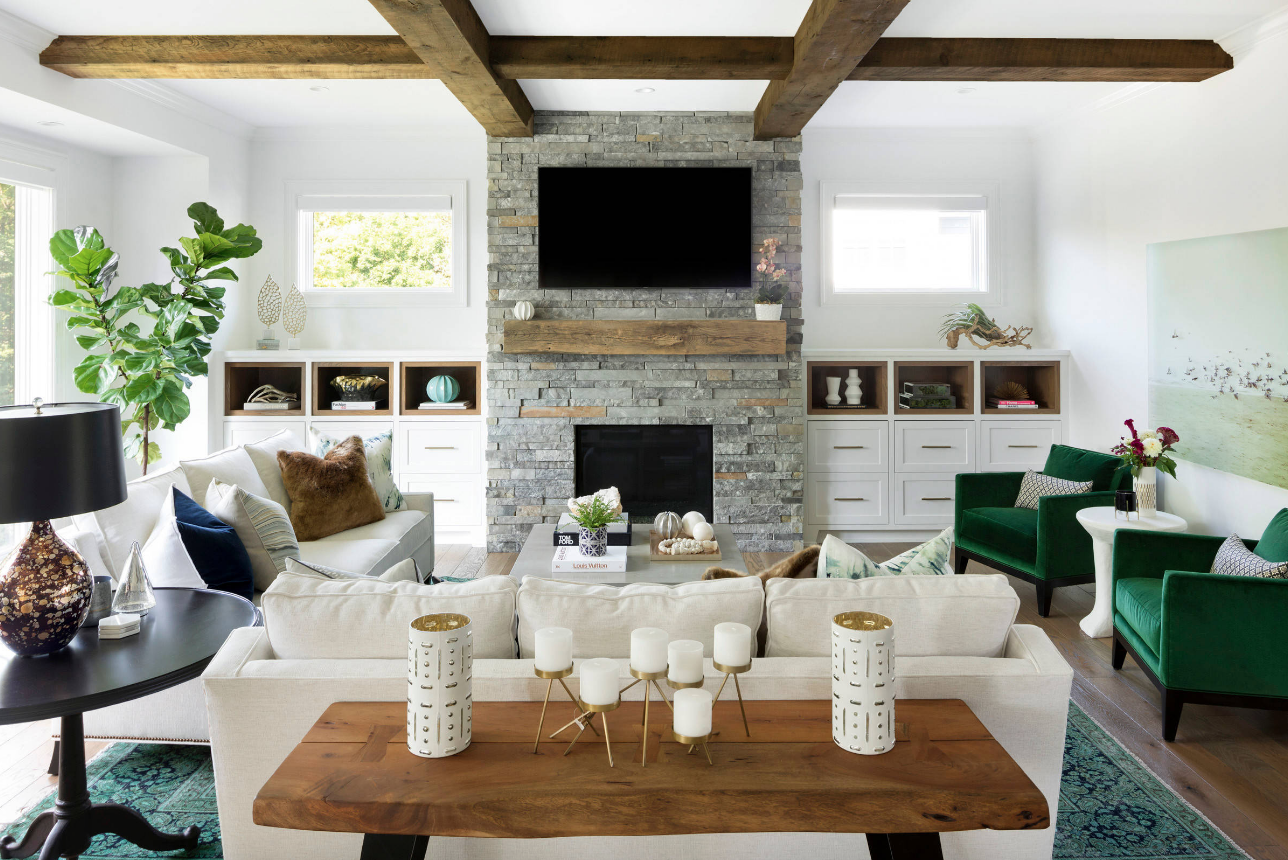 Tips for Decorating Your Living Room When You Know You'll Be