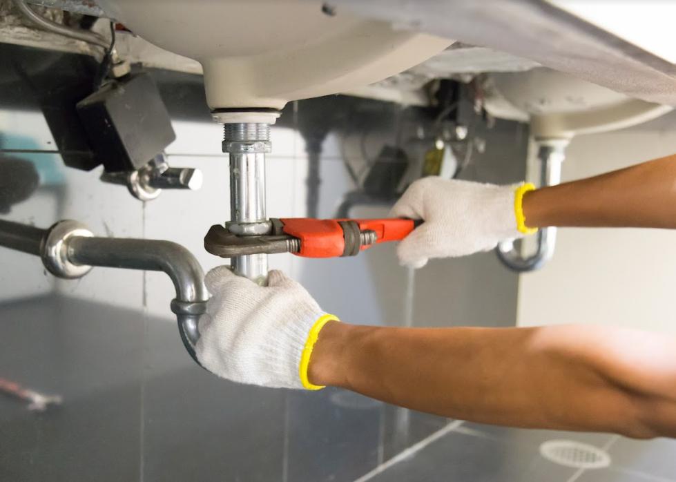 Plumbing 101: 6 Basic DIY Tips For Beginners